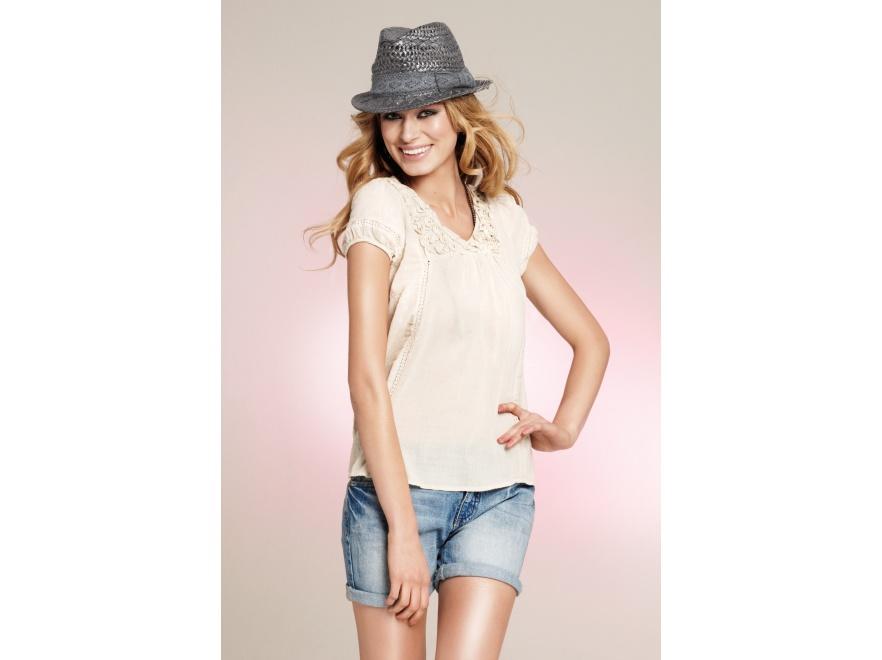 Rozkoszuj się latem - kobiece propozycje z kolekcji Vero Moda na lato 2011.