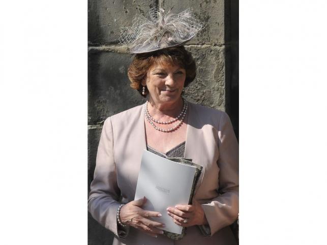 Matka pana młodego, Linda Tindal, na ślubie Zary Phillips, wnuczki królowej Elżbiety II