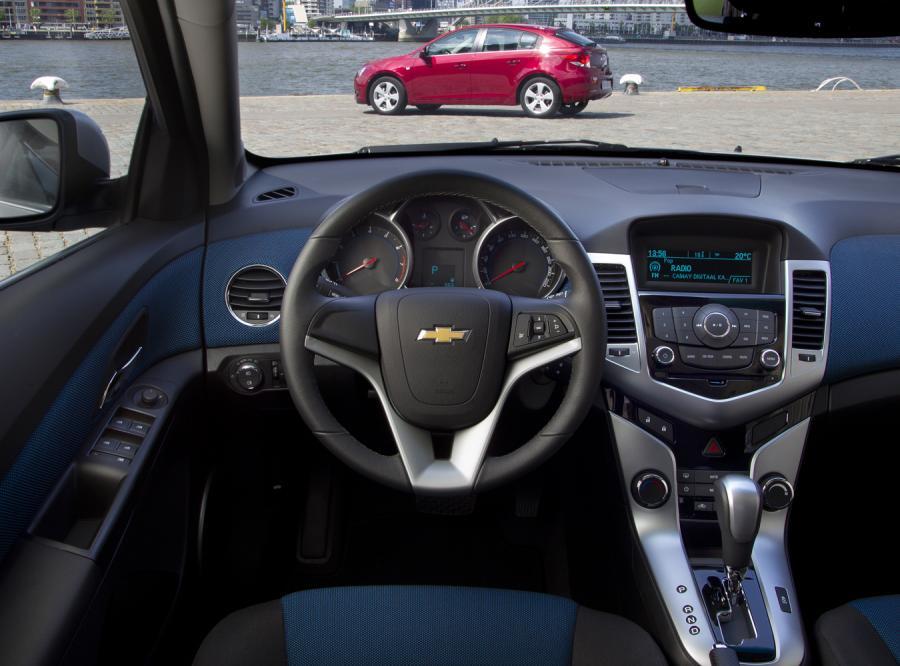 Chevrolet Cruze kombi zadebiutuje na początku przyszłego miesiąca podczas osiemdziesiątego drugiego Salonu Samochodowego w Genewie