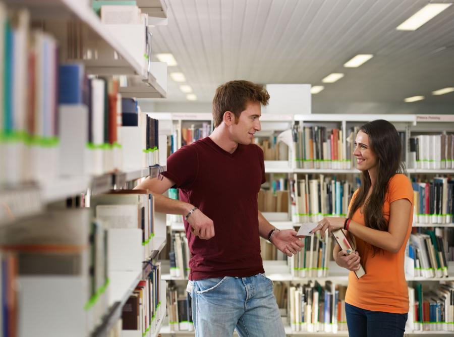 Spróbuj zakłócić biblioteczną ciszę. W ostatecznym rachunku może się to opłacić