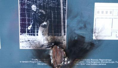 Pijane gimnazjalistki podpaliły muzealne tablice