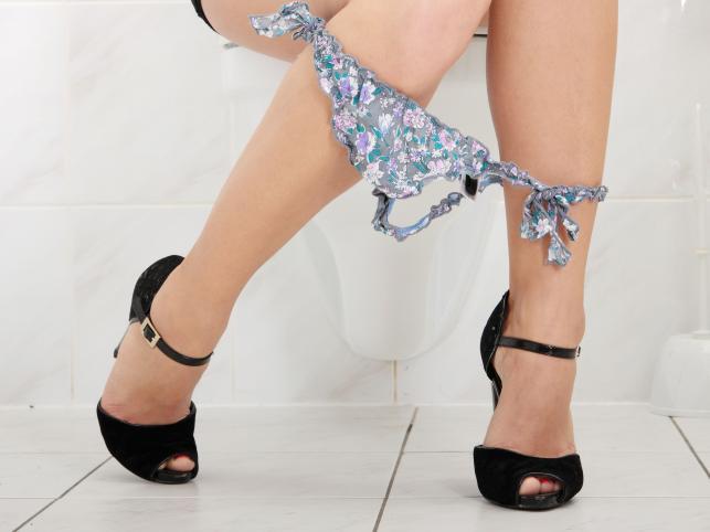 4. Uważaj podczas korzystania z publicznej toalety