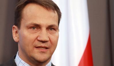 Sikorski zwalnia pracowników MSZ. Za przemyt!