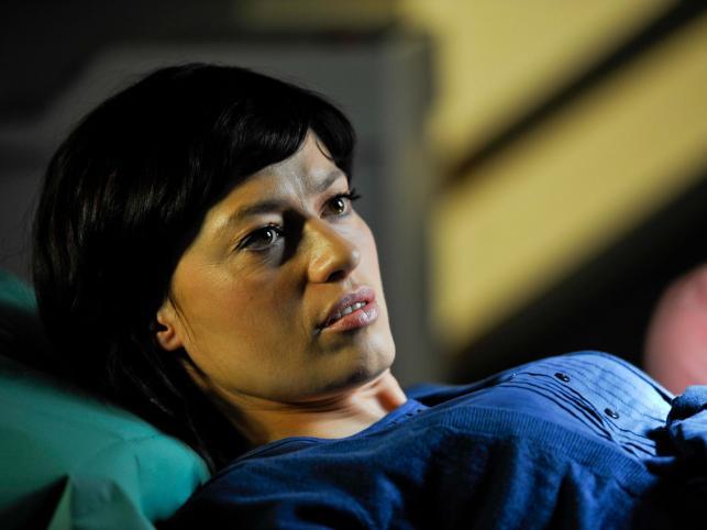 """Tragiczna śmierć Julki z serialu """"Usta, usta"""" nastąpiła w jednym z ostatnich odcinków. Widzowie płakali po bohaterce wraz z jej serialowym partnerem granym przez Pawła Wilczaka"""