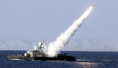 Manewry w cieśninie Ormuz. Iran testował rakiety dalekiego zasięgu
