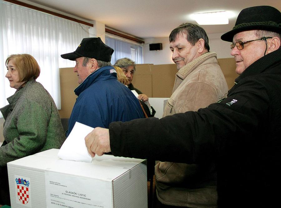 Chorwaci głosowali w referendum akcesyjnym