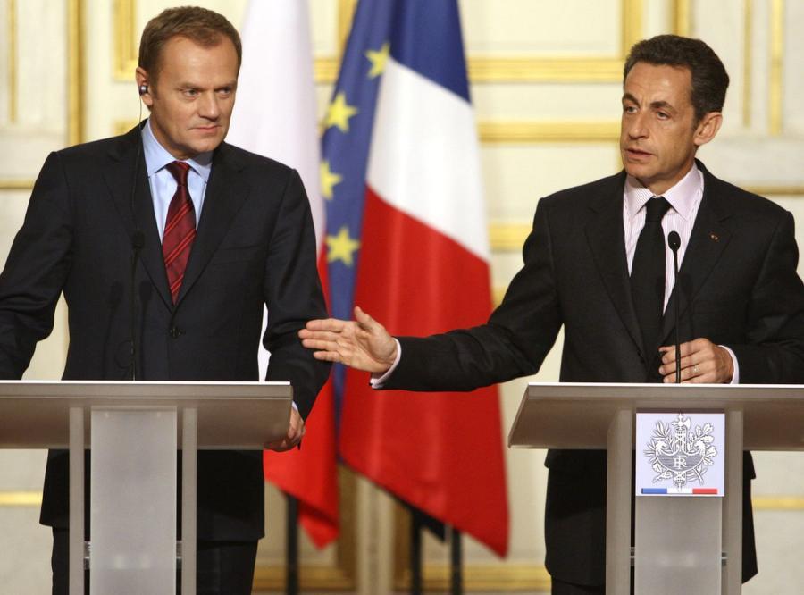 Donald Tusk i Nicolas Sarkozy