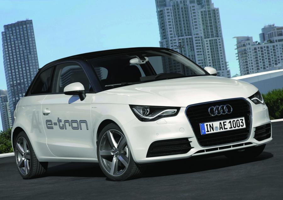 Audi zaprasza na elektryzującą podróż w czasie. Można testować auta