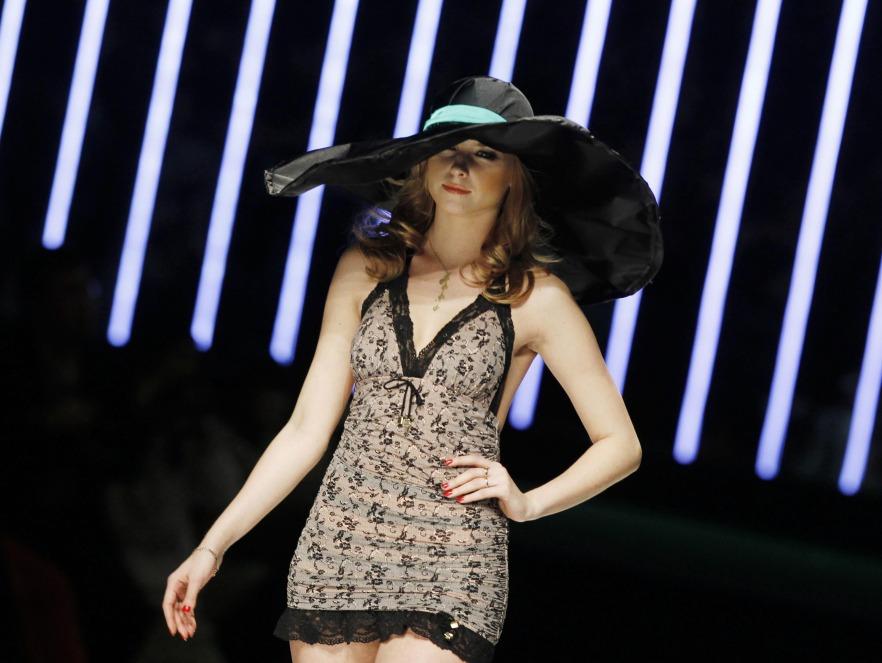 China Fashion Week - pokaz bielizny marki Eve's Temptation