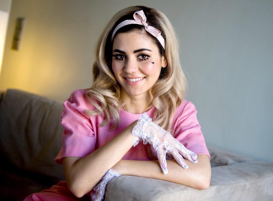 Marina and the Diamonds numerem jeden na Wyspach