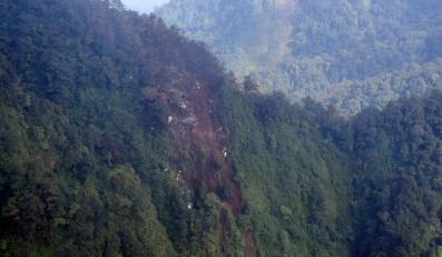Szczątki rosyjskiego samolotu na zboczu wulkanu Salak w Indonezji