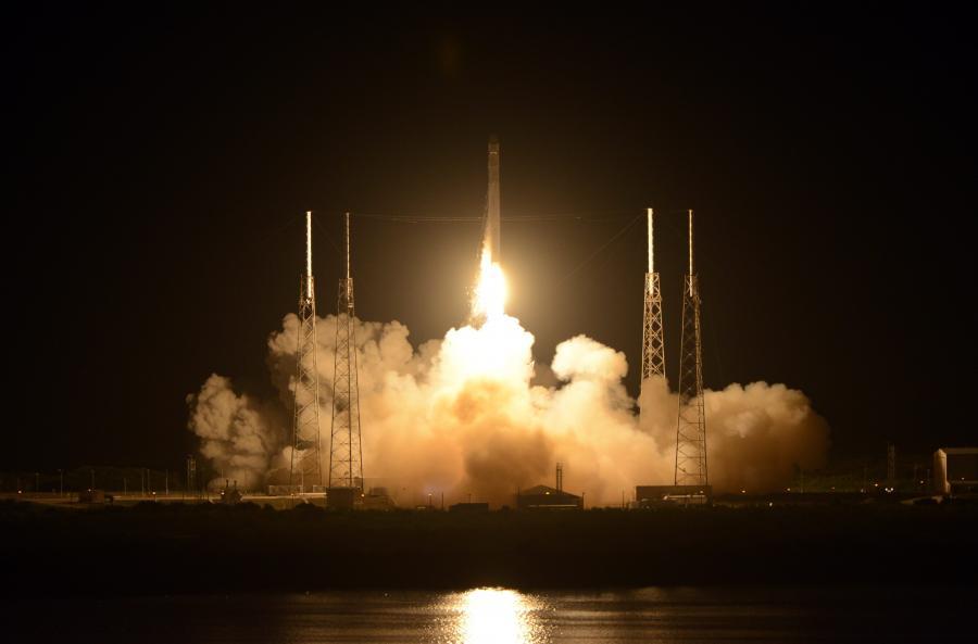 Start prywatnego statku kosmicznego