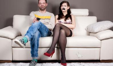 Para ogląda telewizję