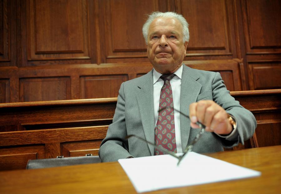 Generał Czesław Kiszczak w sądzie
