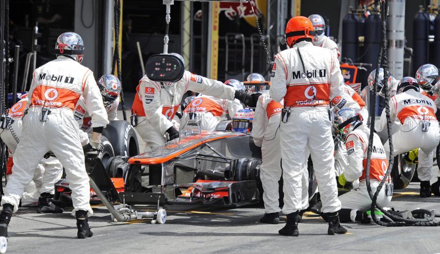 Mechanicy McLaren Mercedes