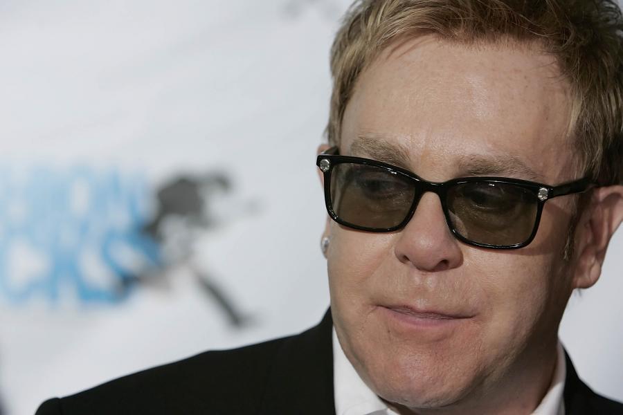 Elton John od portali społecznościowych trzyma się z daleka