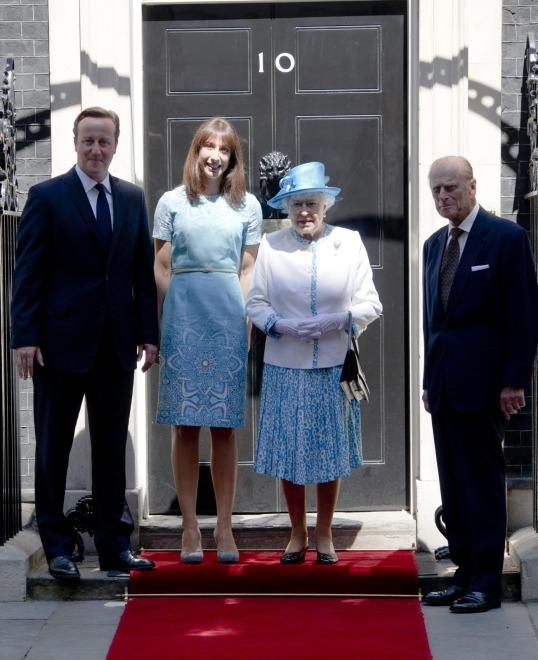 Samantha i David Cemeron z brytyjską parą królewską