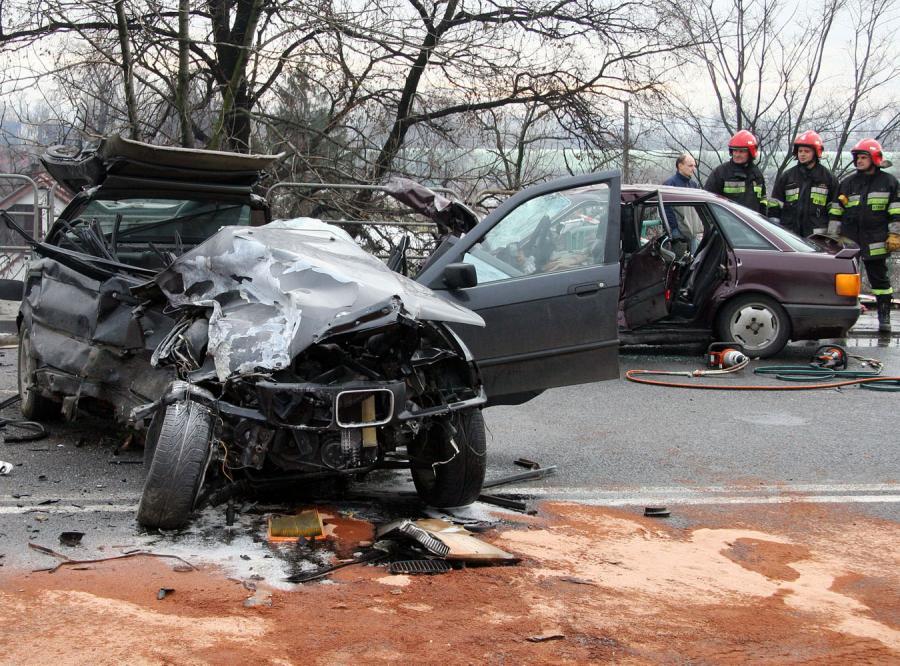 Trzy osoby zginęły w wypadku na ulicy Nowohuckiej w Krakowie