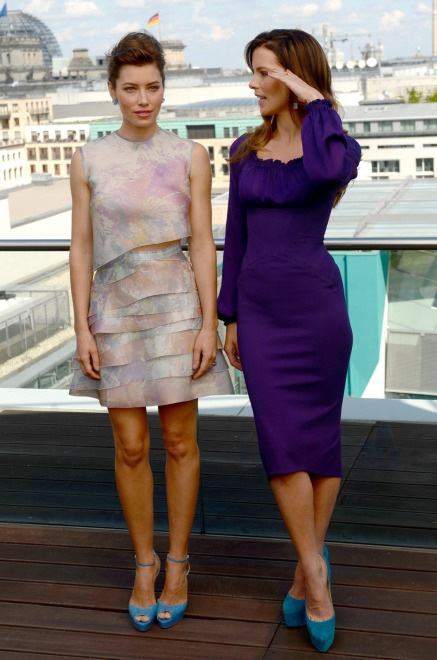 """Jessica Biel i Kate Beckinsale na premierze filmu """"Pamięć absolutna"""" w Berlinie"""