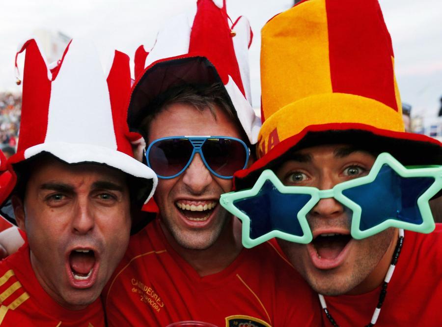 Hiszpańscy kibice w czasie Euro 2012 w Warszawie