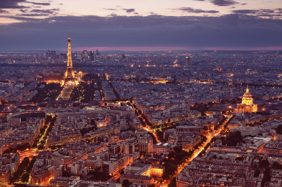 Paryż nocą