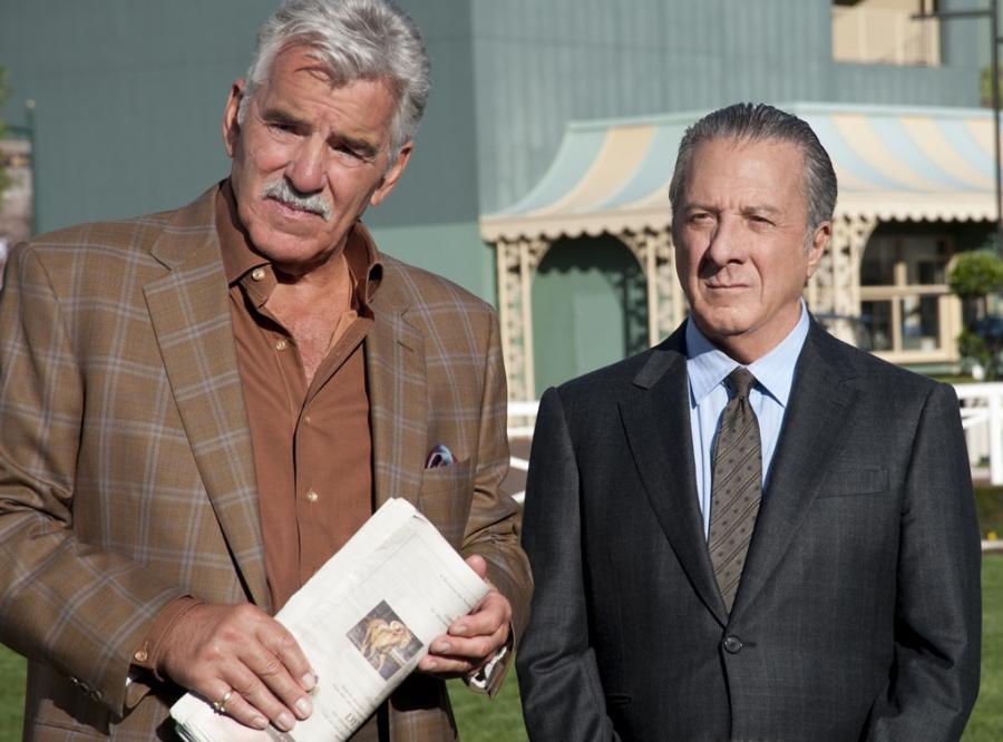 Dennis Farina i Dustin Hoffman w serialu \