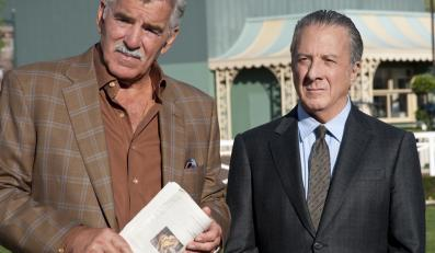 "Dennis Farina i Dustin Hoffman w serialu ""Luck"""