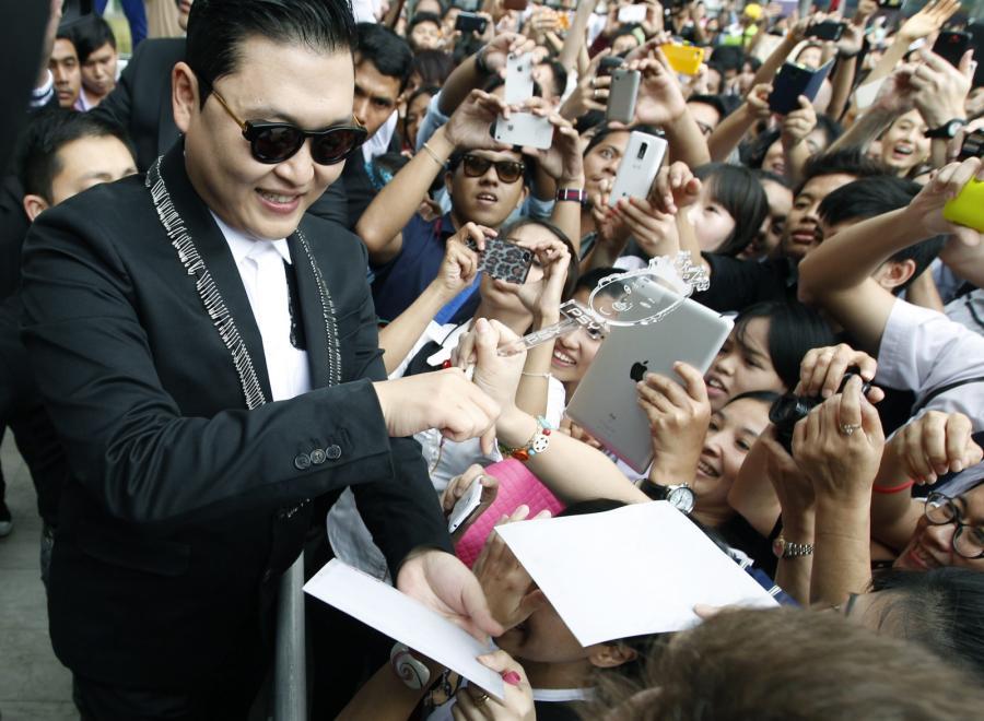 PSY podczas spotkania z fanami w Tajlandii