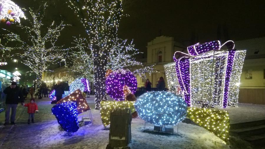 Krakowskie Przedmieście nocą