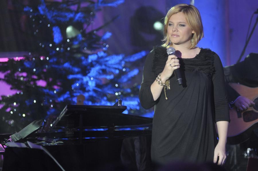 Ania Dąbrowska przekłada koncert w Palladium