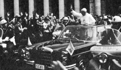 Mercedes 300 SEL landaulet (W 109) był autem, z którego nowo wybrany papież Jan Paweł II pozdrawiał wiernych kilka godzin po pamiętnym dla Polaków konklawe