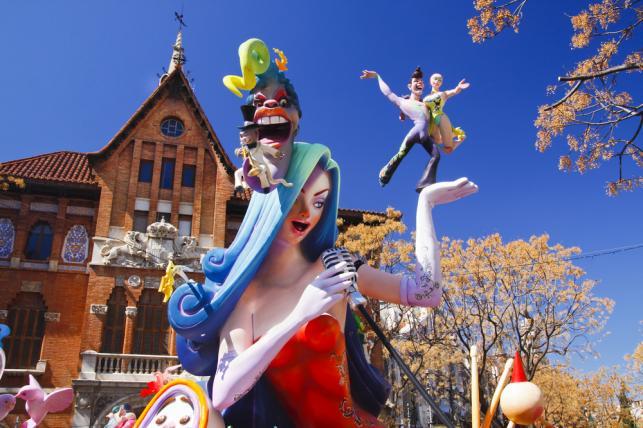 Bajki i kreskówki są inspiracją dla artystów pokazujących swoje prace na festiwalu