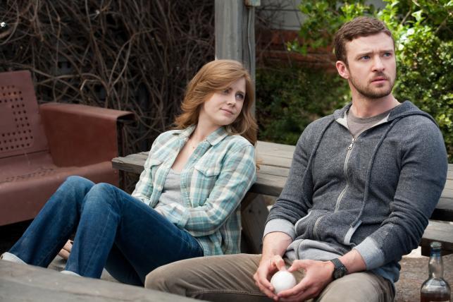 """Amy Adams i Justin Timberlake w filmie """"Dopóki piłka w grze"""""""