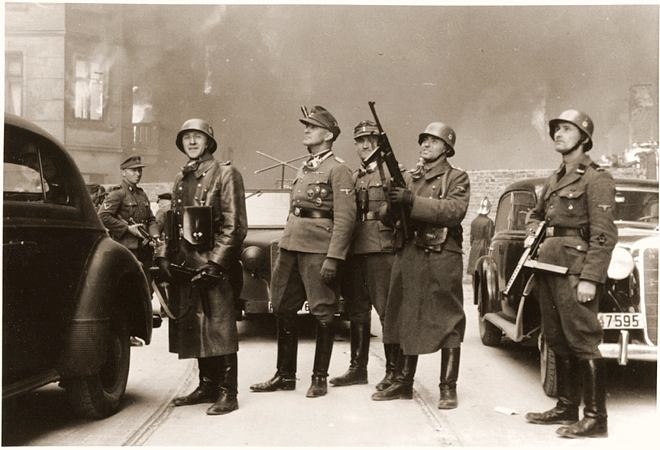 Powstanie w getcie warszawskim - Fotografia z Raportu Jürgena Stroopa do Heinricha Himmlera z maja 1943