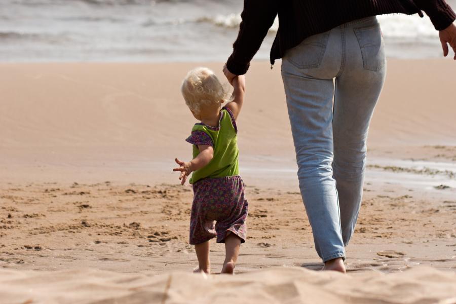 Matka z dzieckiem - zdjęcie ilustracyjne