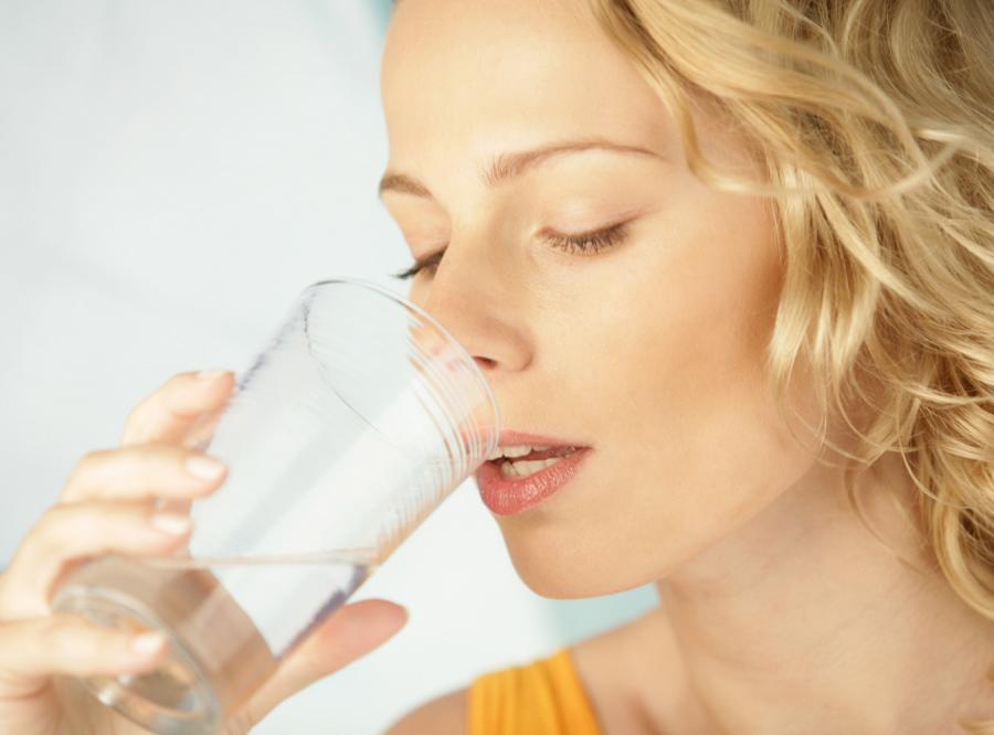 Wcale nie musisz pić 8 szklanek wody dziennie