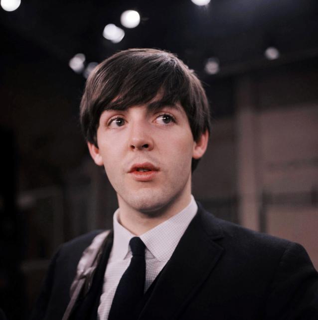 Paul McCartney w 1964 roku
