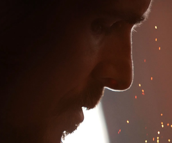 "Christian Bale na plakacie ""Out of the Furnace"""