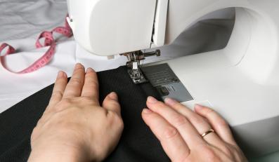Produkcja ubrań - zdjęcie ilustracyjne