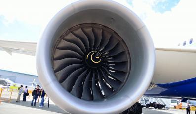 Silnik odrzutowy produkcji Rolls-Royce'a w samolocie boeing 787 Dreamliner