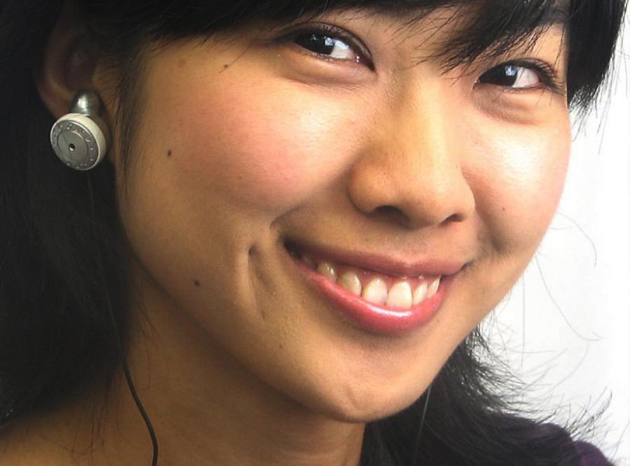 Słuchawki-kolczyki szczytem bezguścia