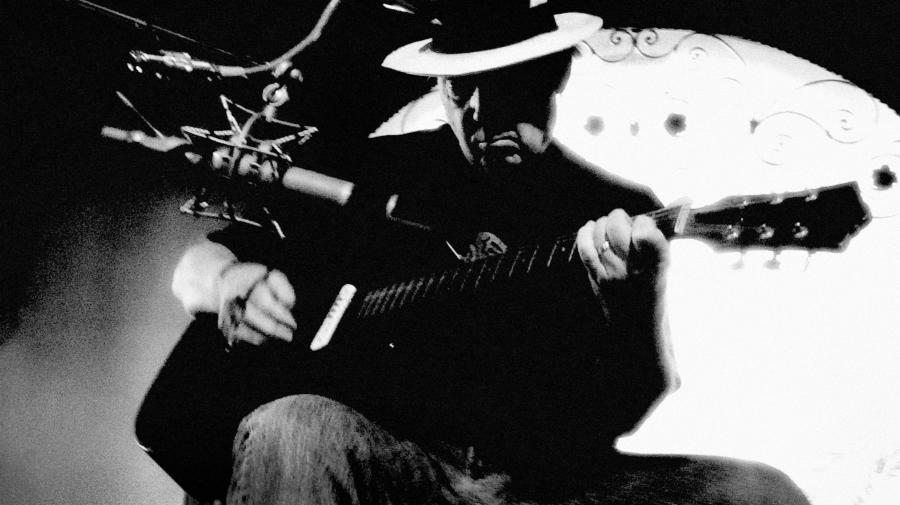 Neil Young zapowiada A\