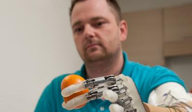 Dennis Aabo Sorensen testował nową rękę
