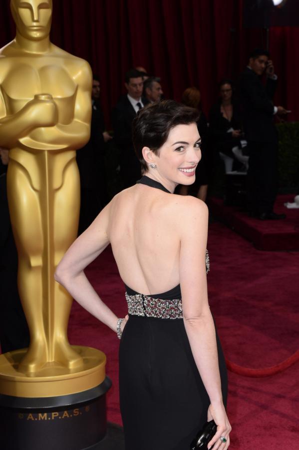 Anne Hathaway na gali Oscarów 2014