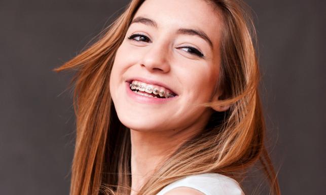 10 popularnych mitów ortodontycznych. Obalamy!