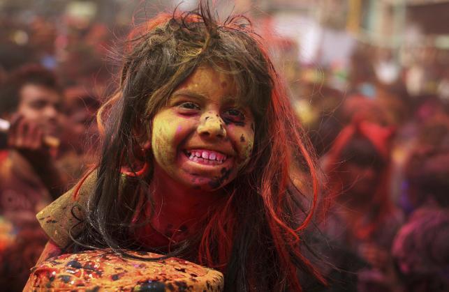 Kolorowe święto Holi w Indiach