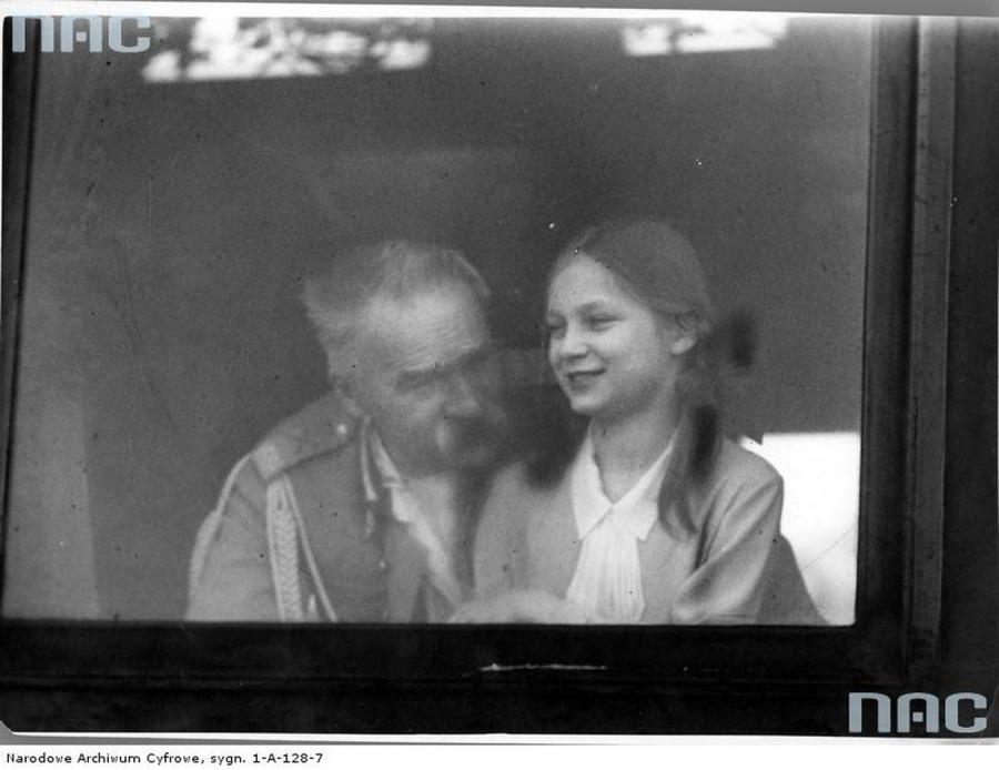 Józef Piłsudski z córką Jadwigą. Zdjęcie z 1931 roku