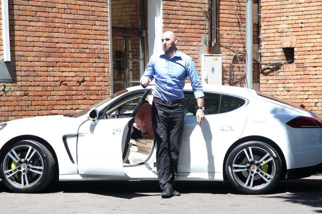 Marcin Gortat i Porsche Panamera S E-Hybrid