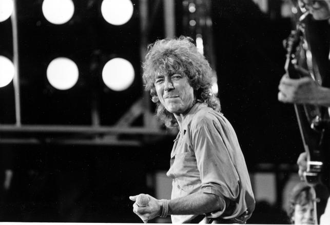 Robert Plant archiwalnie –w 1985 roku na koncercie Live Aid