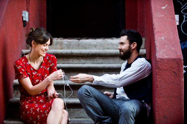 """Keira Knightley i Adam Levine w filmie """"Zacznijmy od nowa"""""""